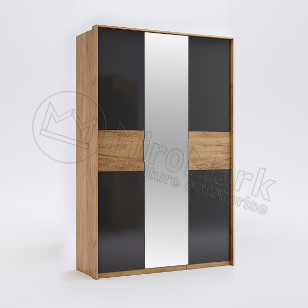 Wardrobe with 3 doors